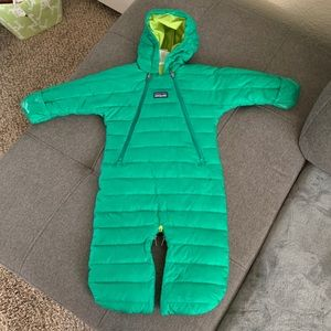 Patagonia winter baby suit. Size 3 months, green.